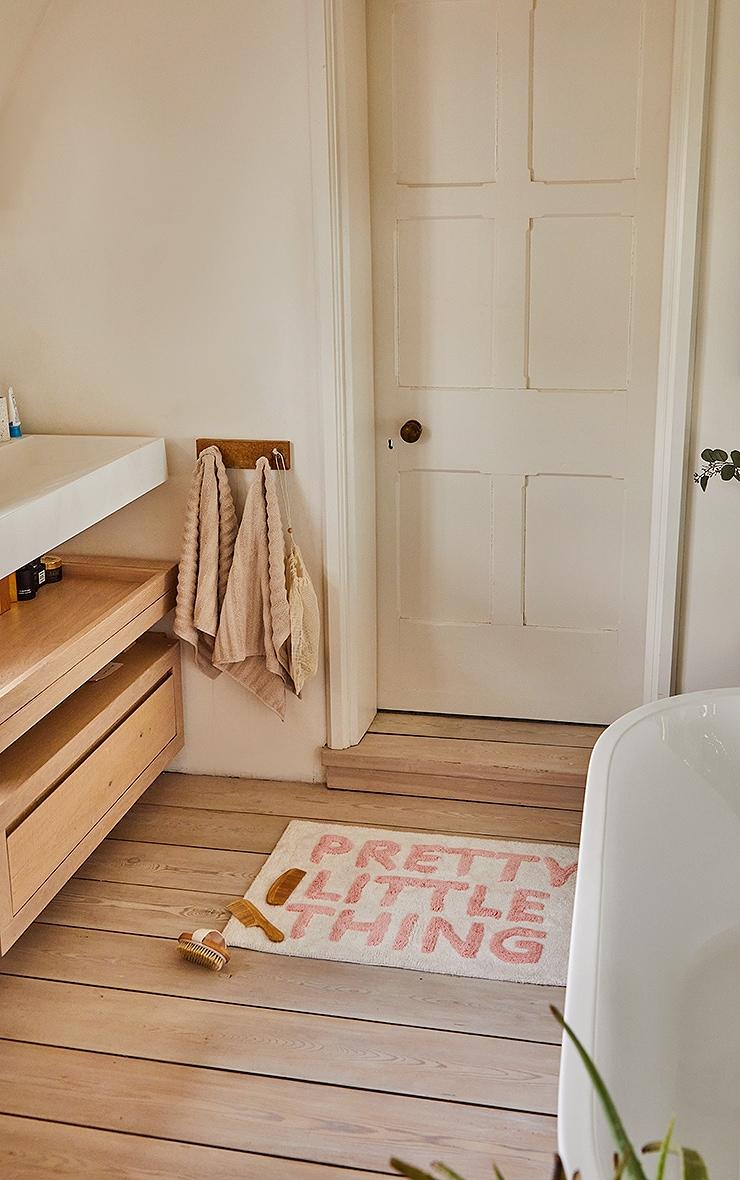 PRETTYLITTLETHING Bath mat 3
