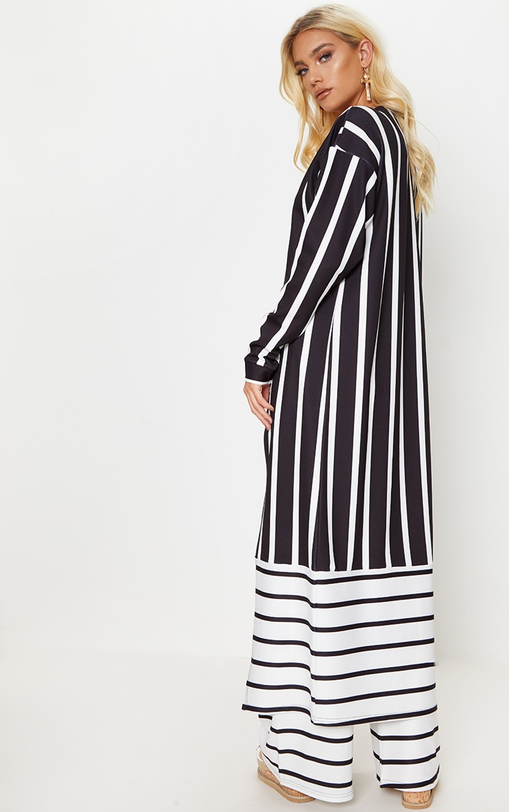 Monochrome Contrast Stripe Kimono 2