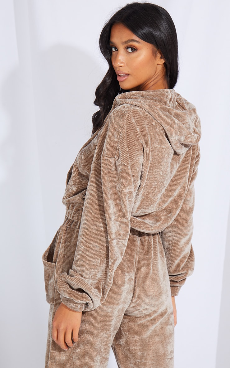 PRETTYLITTLETHING Petite Taupe Cropped Chenille Hoodie 2
