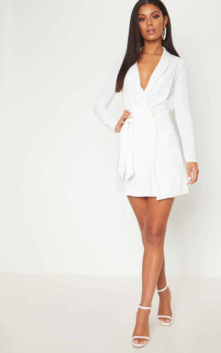 Robe manches longues blanche à carreaux style blazer 4