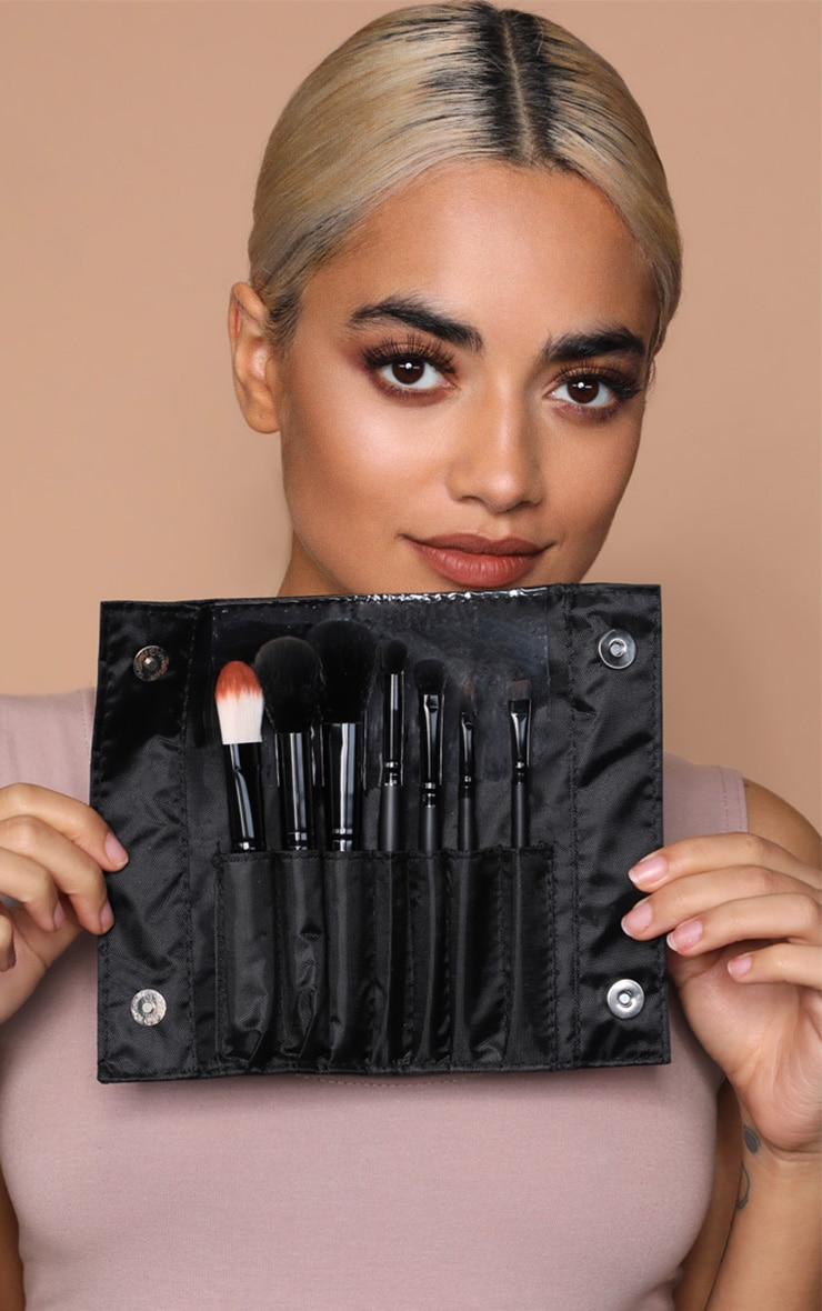 Sleek MakeUP Black 7-Piece Brush Set 4