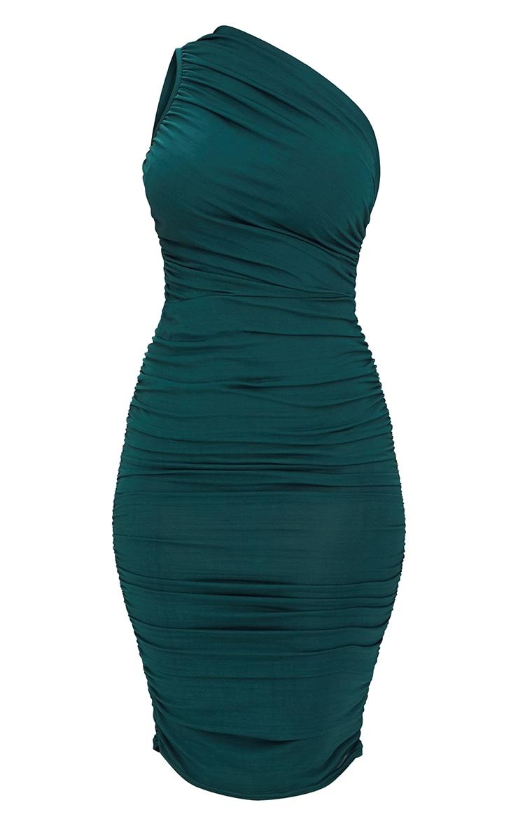 Robe longue vert émeraude plissée à manche unique  3