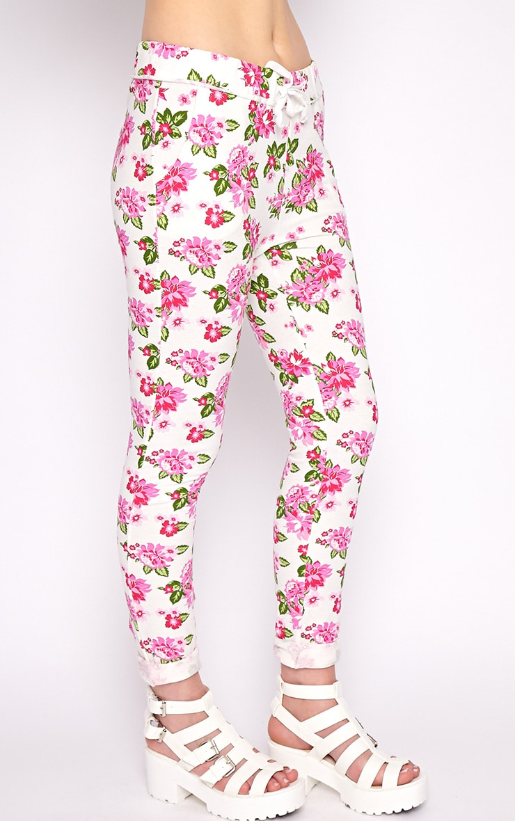 Aria White Floral Sweater Pants 4