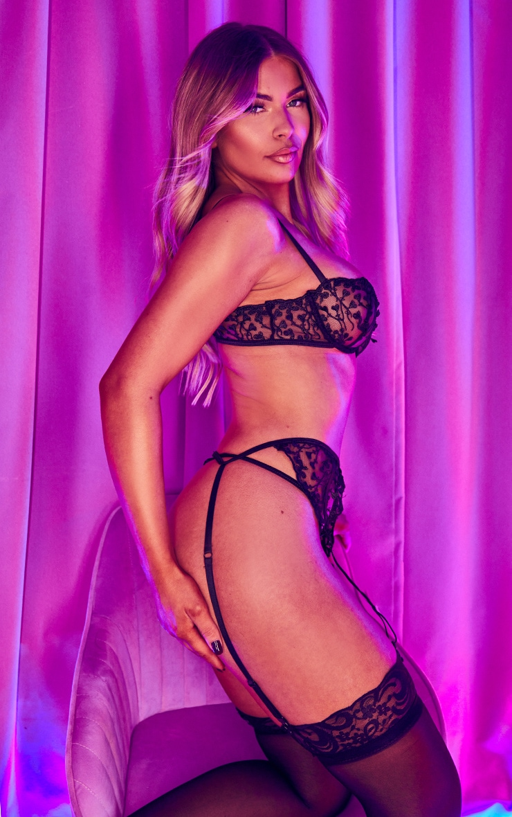Black Heart Lace Strappy Thong 3