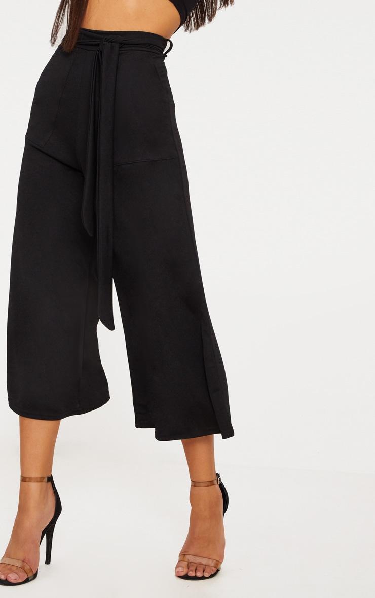 Jupe-culotte noire avec attache à la taille  5