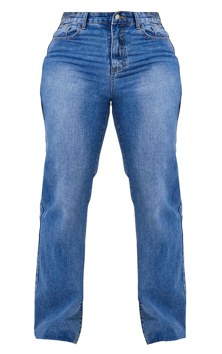 PRETTYLITTLETHING Plus Mid Blue Wash Long Leg Straight Jean 6