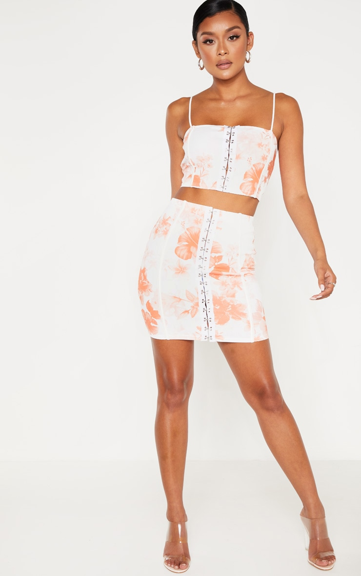 White Rose Print Hook and Eye Piped Detail Mini Skirt 4