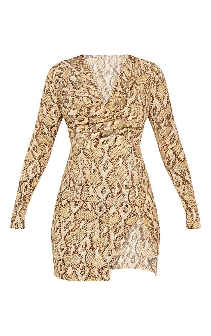 Robe moulante beige à imprimé serpent et col bénitier 4