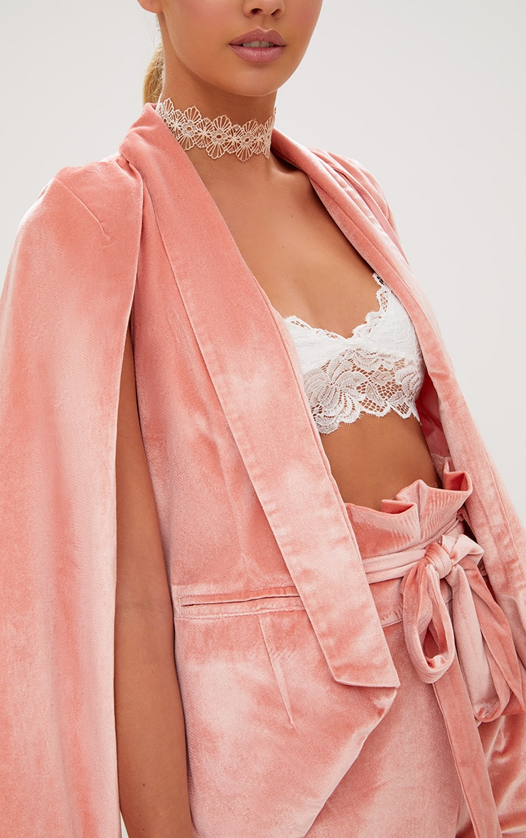 Blazer cape en velours rose 5