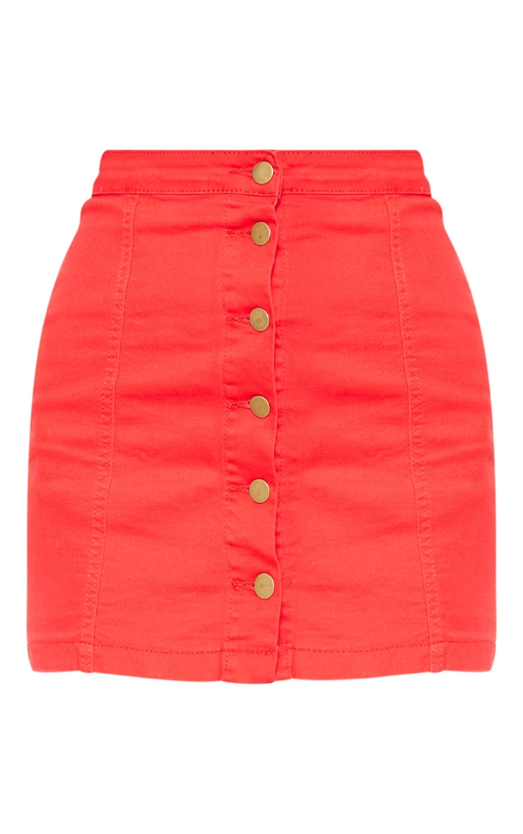 Minijupe en jean rouge boutonnée 3