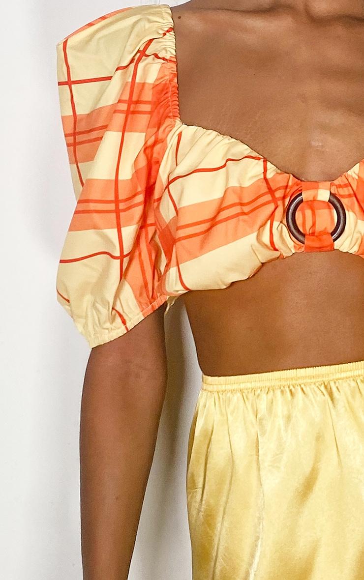 Crop top orange à carreaux et détail anneau  4