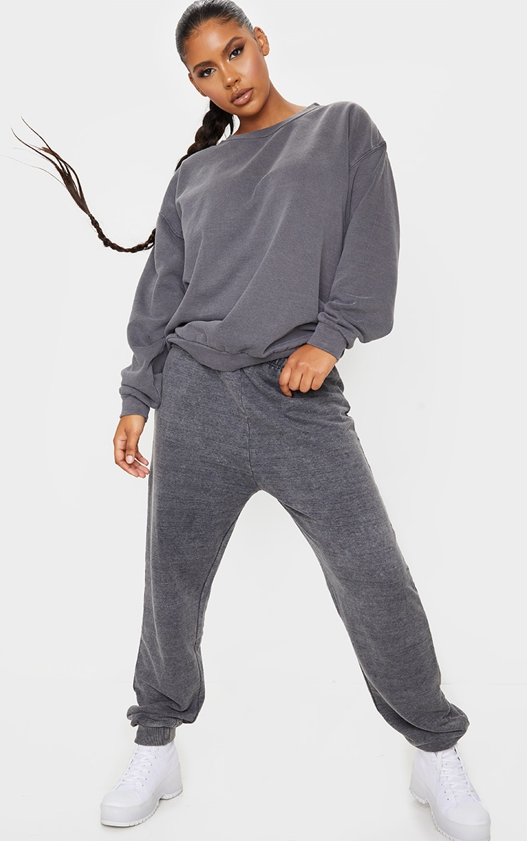 Charcoal Washed Sweatshirt 3