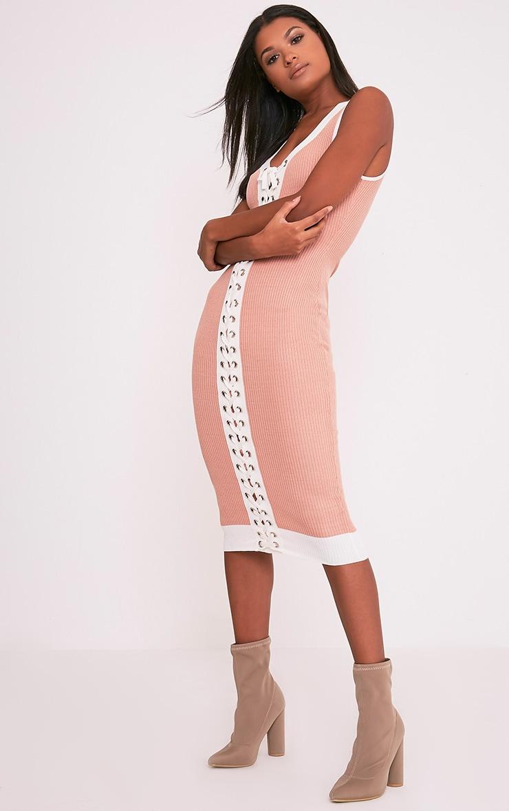 Joseline robe maxi côtelée lien à œillet en maille chair 4