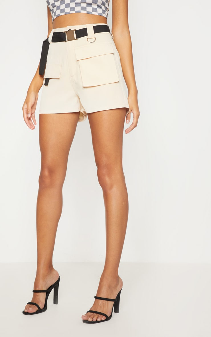 STONE BELTED WAIST CARGO POCKET FRONT SHORTS