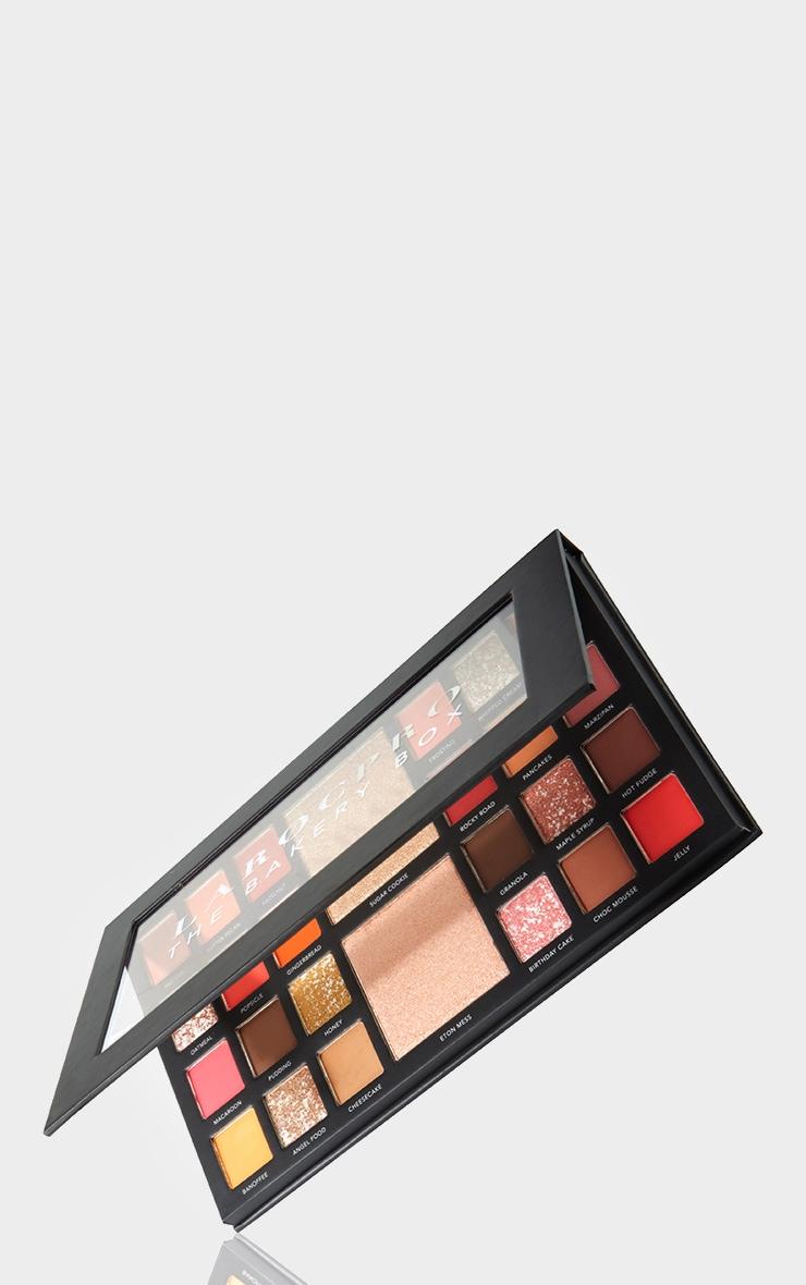 LaRoc PRO The Bakery Box Eyeshadow Palette 3
