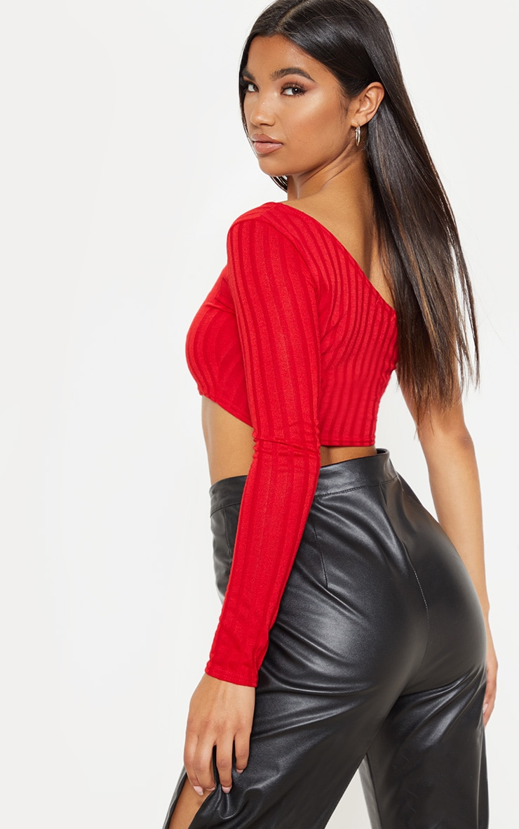 Top rouge en tricot côtelé à manche unique 2