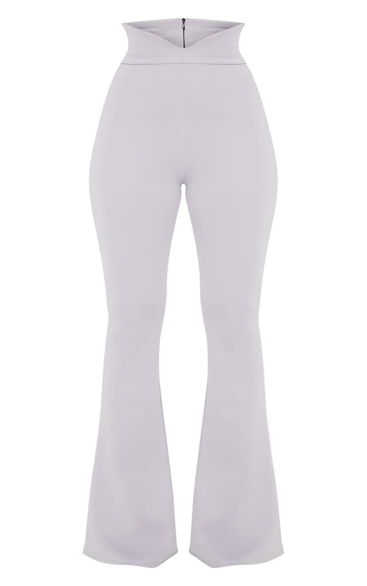Pantalon flare gris colombe à taille élastifiée incurvée 3