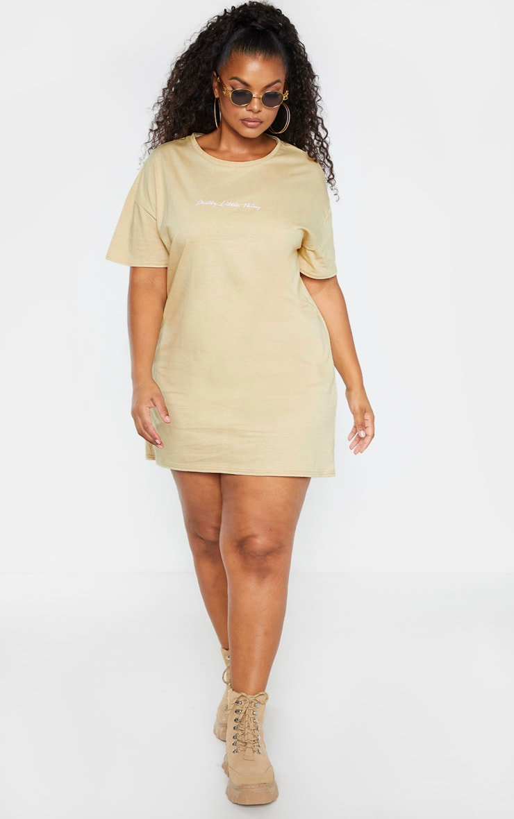 PRETTYLITTLETHING Plus Biscuit Slogan T Shirt Dress 4