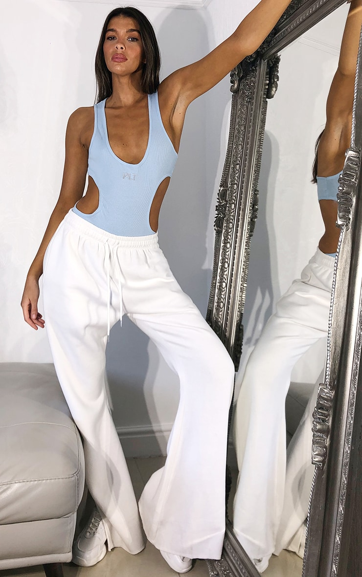 PRETTYLITTLETHING Baby Blue Plunge Front Cut Out Bodysuit 3