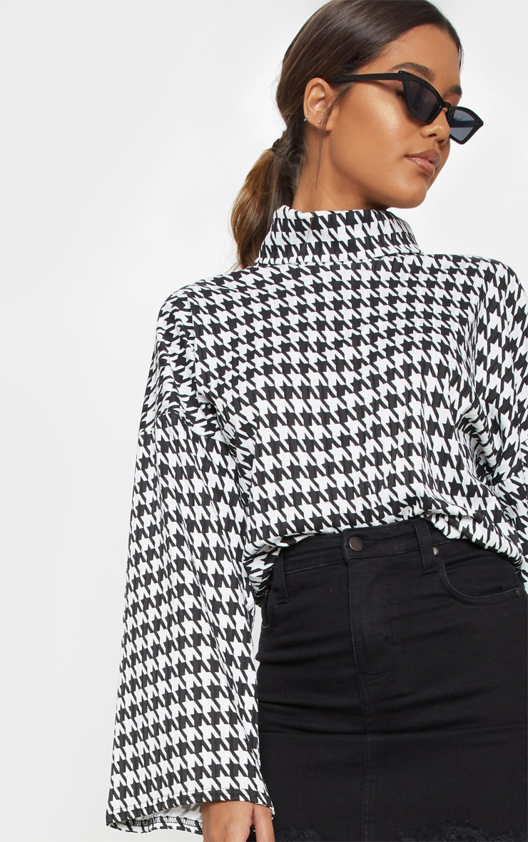 Mono Dogtooth Print Roll Neck Oversized Sweater 5