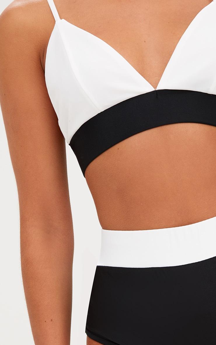 Haut de bikini contrastant noir/blanc 5