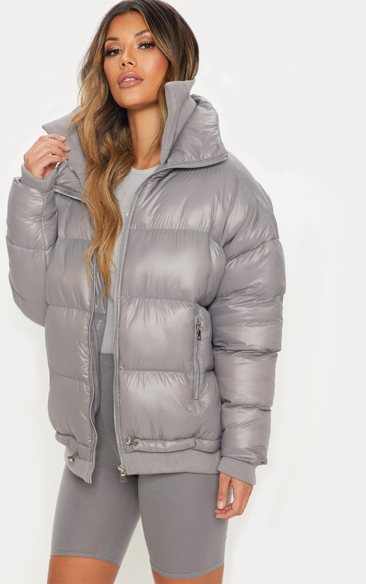 Grey Oversized Puffer Jacket with Zip Pockets 4