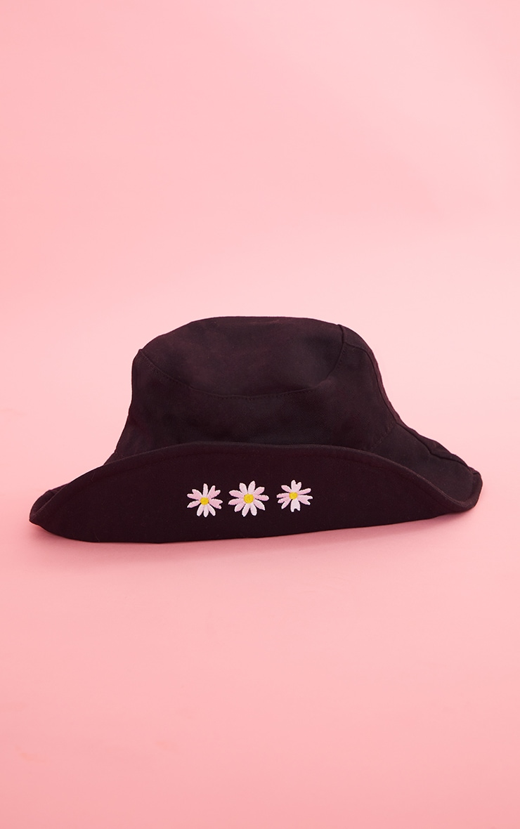 Black Fold Over Daisy Embroided Bucket Hat 2