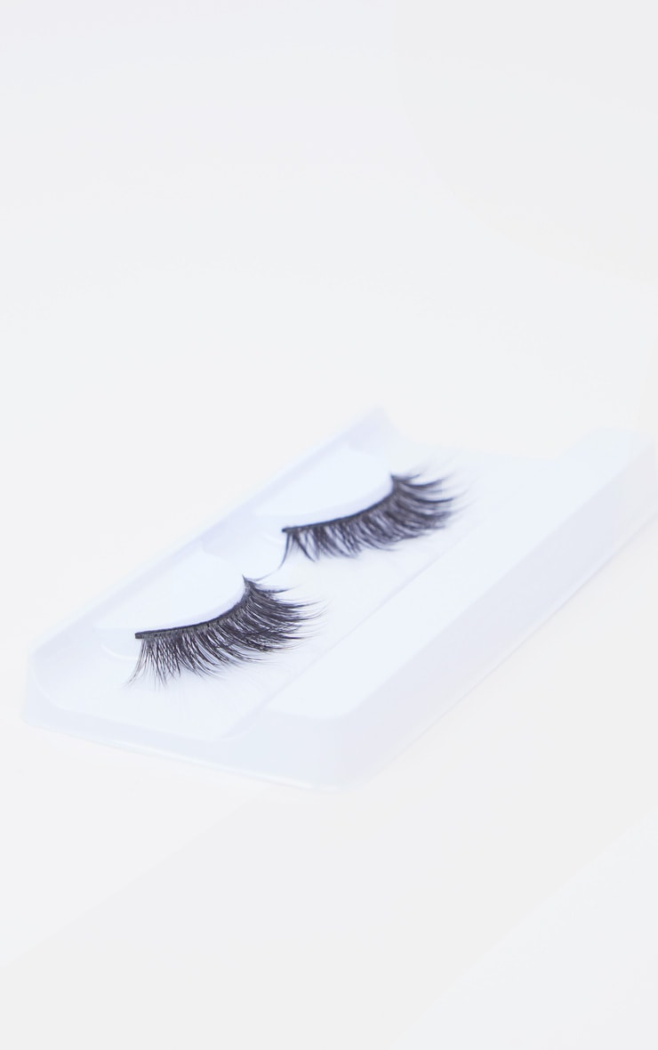 Barry M False Lashes Dubai Doll 3