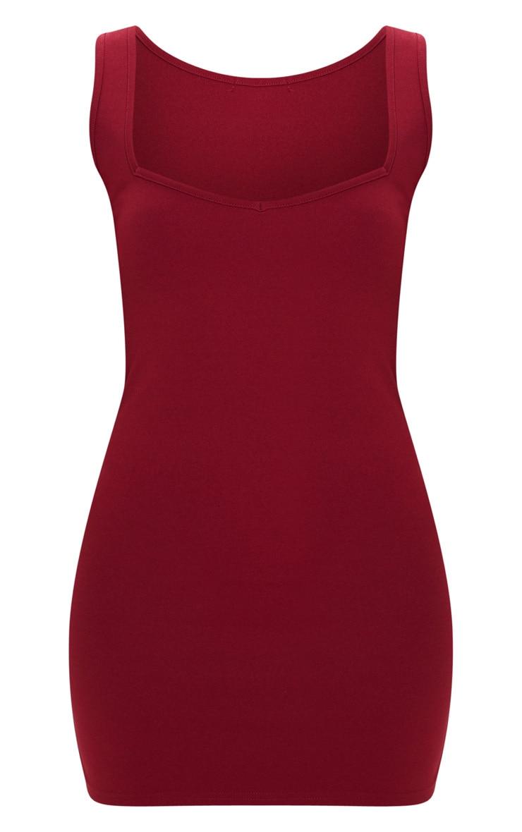 Robe rouge écarlate moulante sans manches à col carré  3