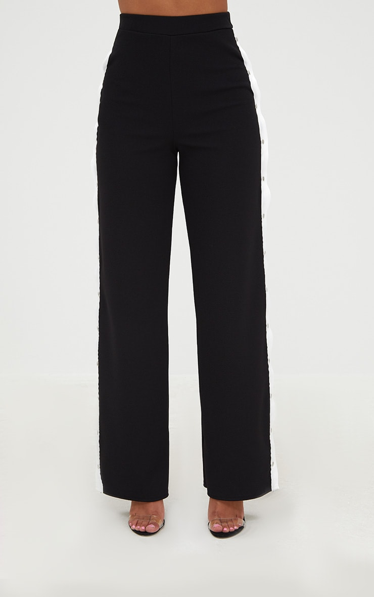 petite pantalon noir blanc rayures lat rales et boutons prettylittlething fr. Black Bedroom Furniture Sets. Home Design Ideas