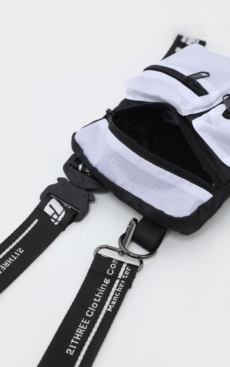 Sacoche bandoulière noire et blanche à contraste PrettyLittleThing 4