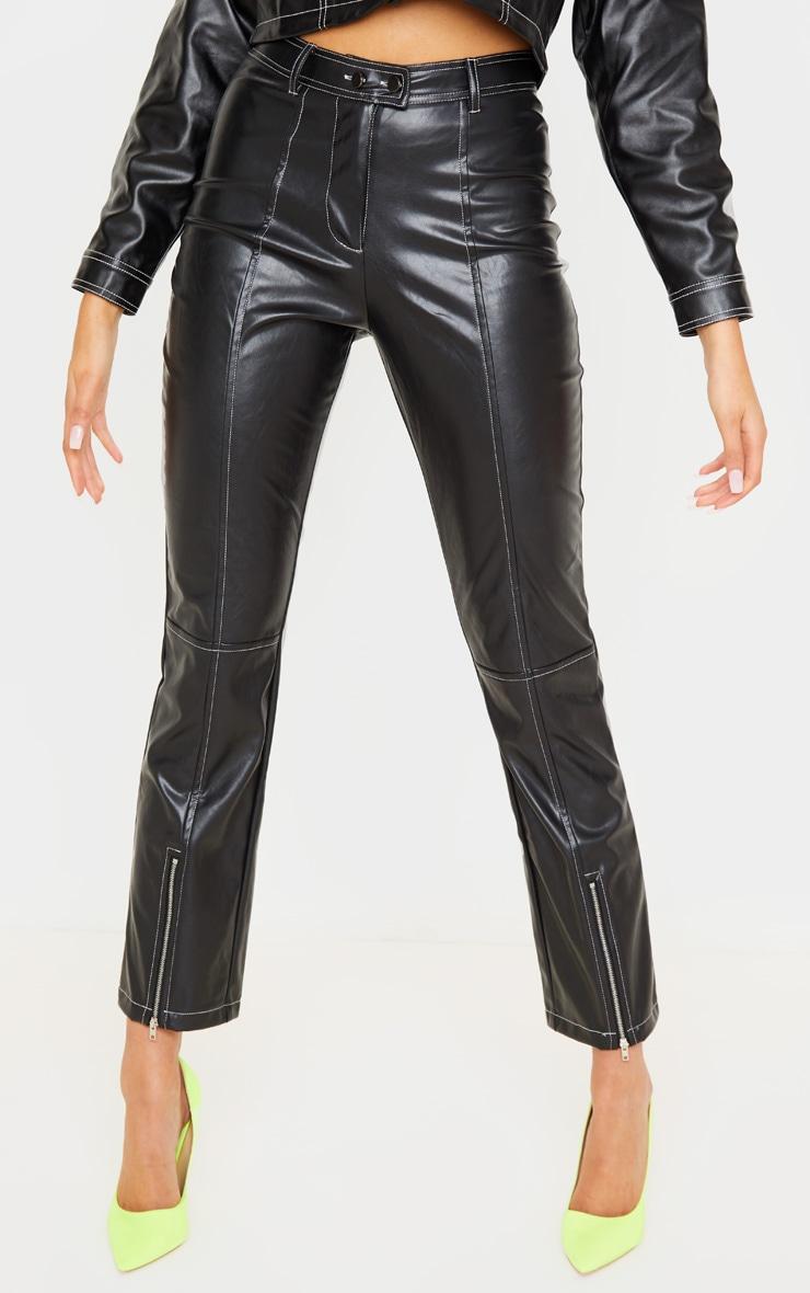 Pantalon droit en similicuir noir profond à coutures contrastantes 2