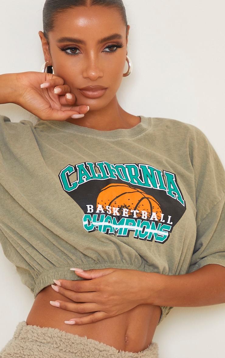 Green Washed Cali Basketball Slogan Elastic Hem T Shirt 4