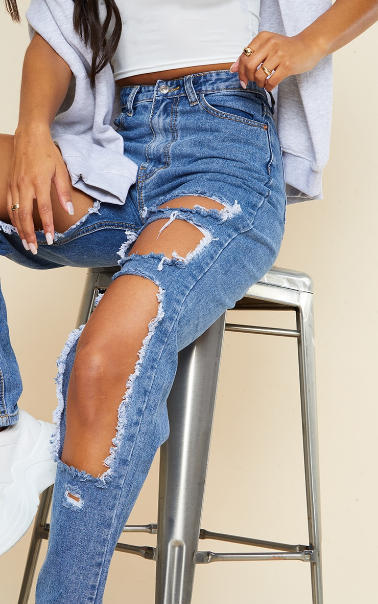 PRETTYLITTLETHING Mid Blue Open Thigh Mom Jean 4