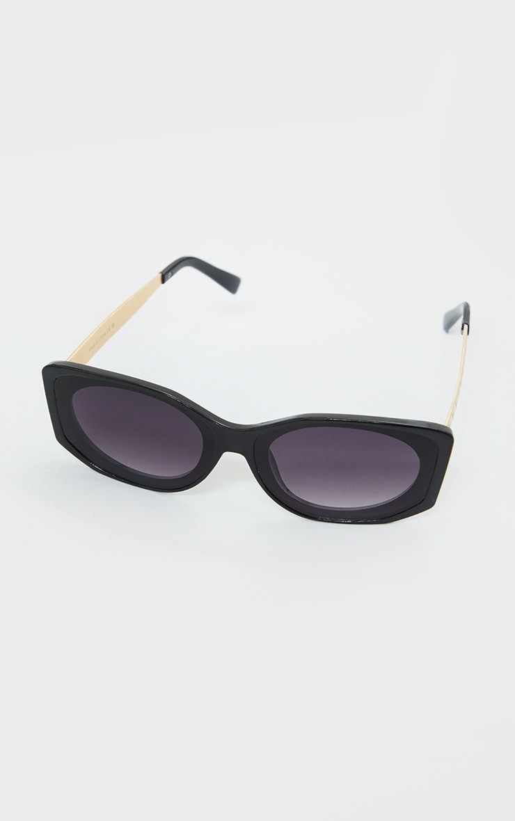 PRETTYLITTLETHING Black Branded Temple Slim Round Sunglasses 3