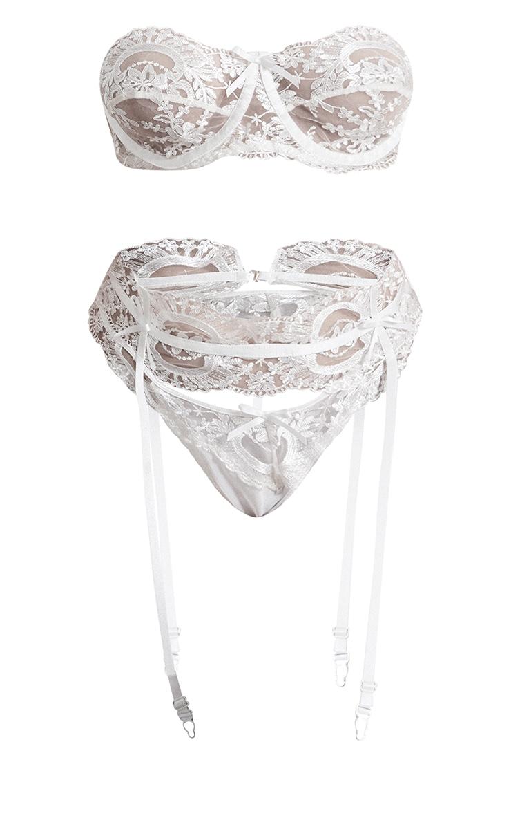 PLT Plus - Ensemble de lingerie blanc à armatures et anneaux 5