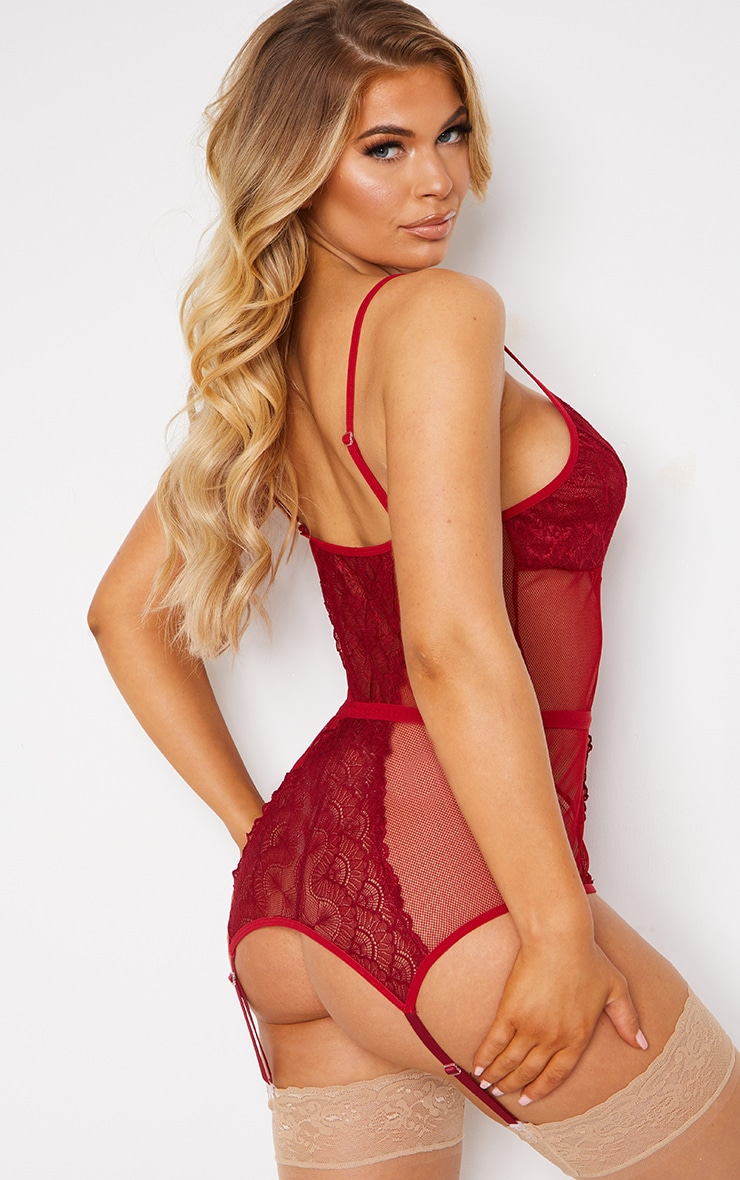 Red Fishnet Lace Suspender Body & Knickers Set 2