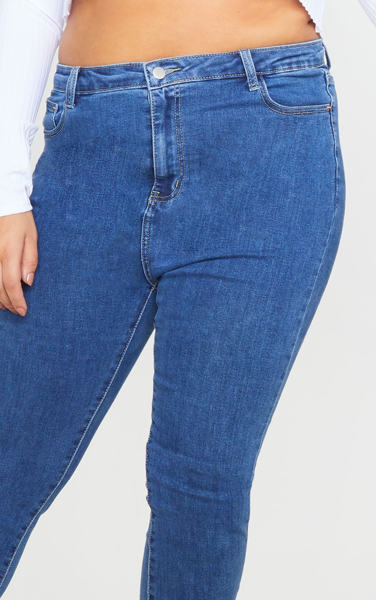 PRETTYLITTLETHING Plus Mid Wash 5 Pocket Skinny Jean 5