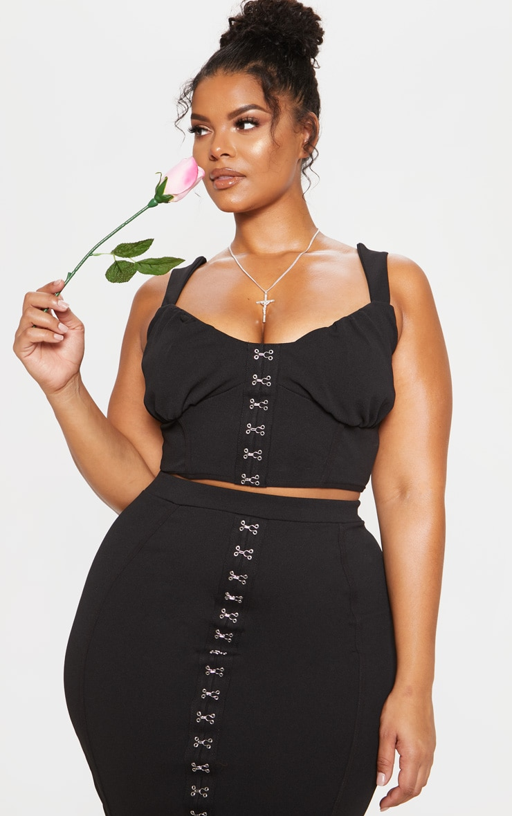 Black Piped Detail Hook & Eye Crop Top