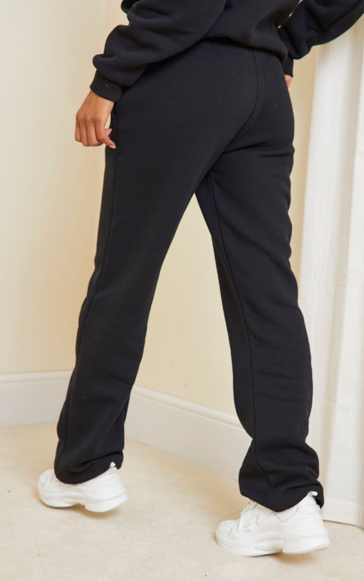 PRETTYLITTLETHING Black Badge Detail Straight Leg Jogger 3