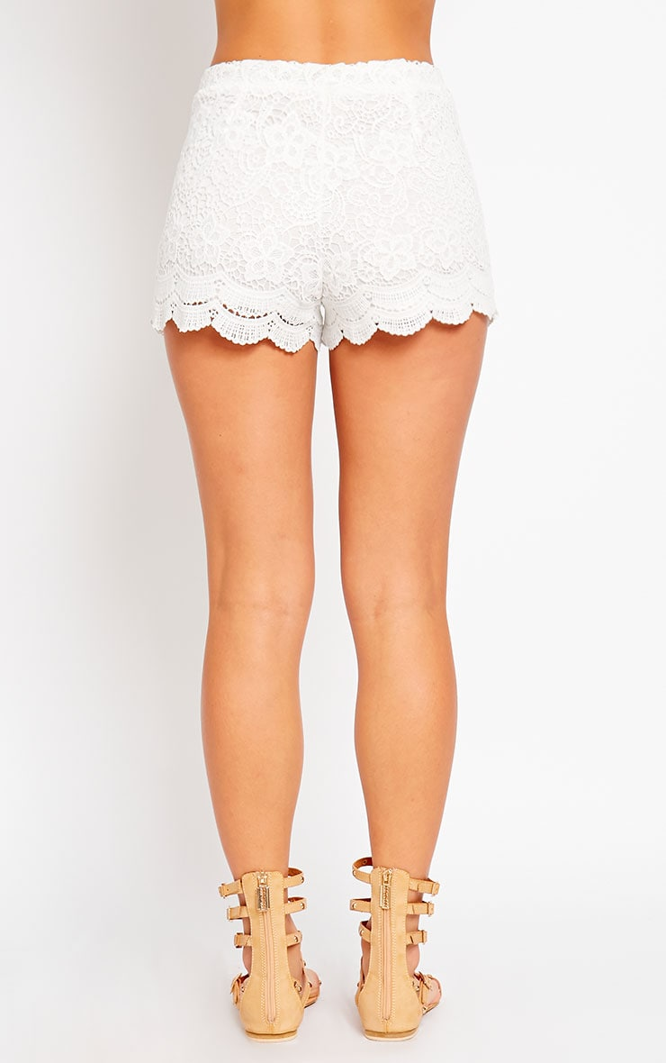 Nella Cream Lace Shorts 4