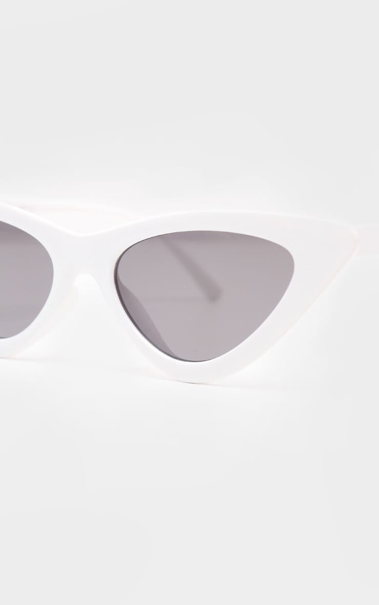 White Retro Cat Eye Sunglasses 3
