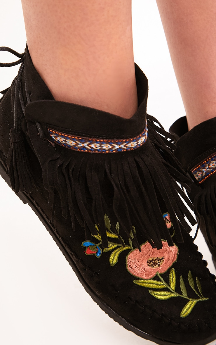 Saz Black Embroidered Fringed Boots 5