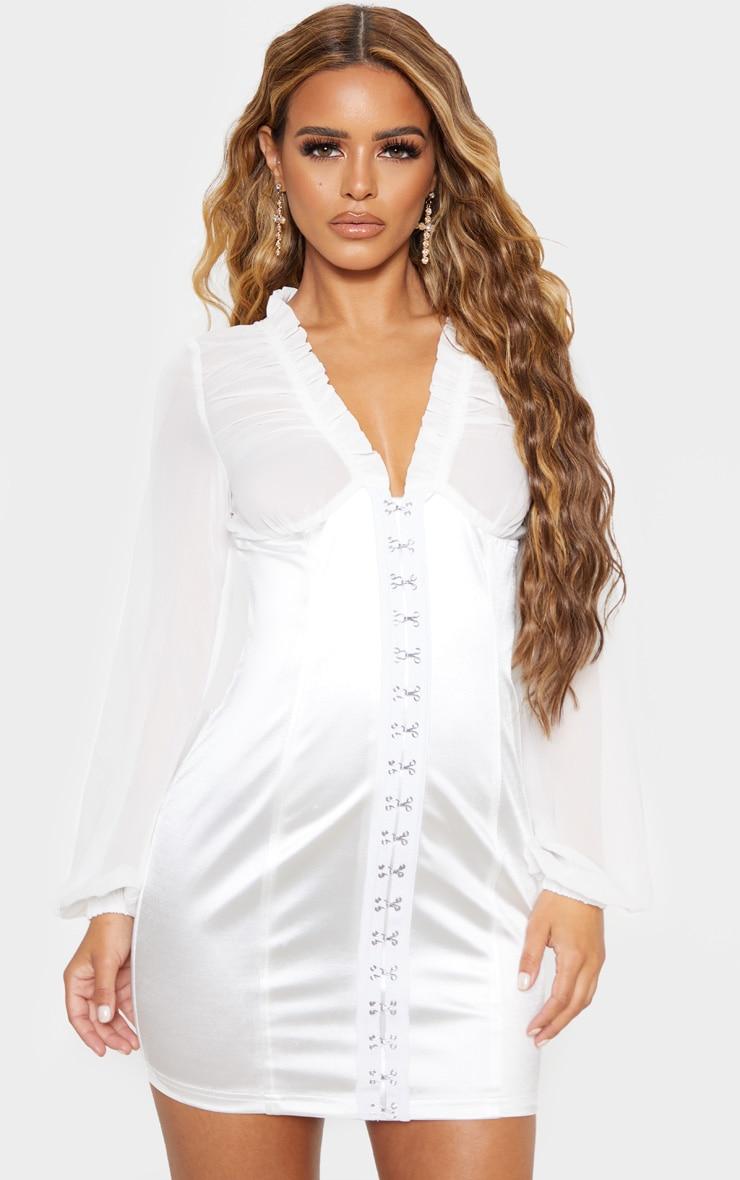 Petite - Mini-robe satinée blanche à oeillets et crochets 1