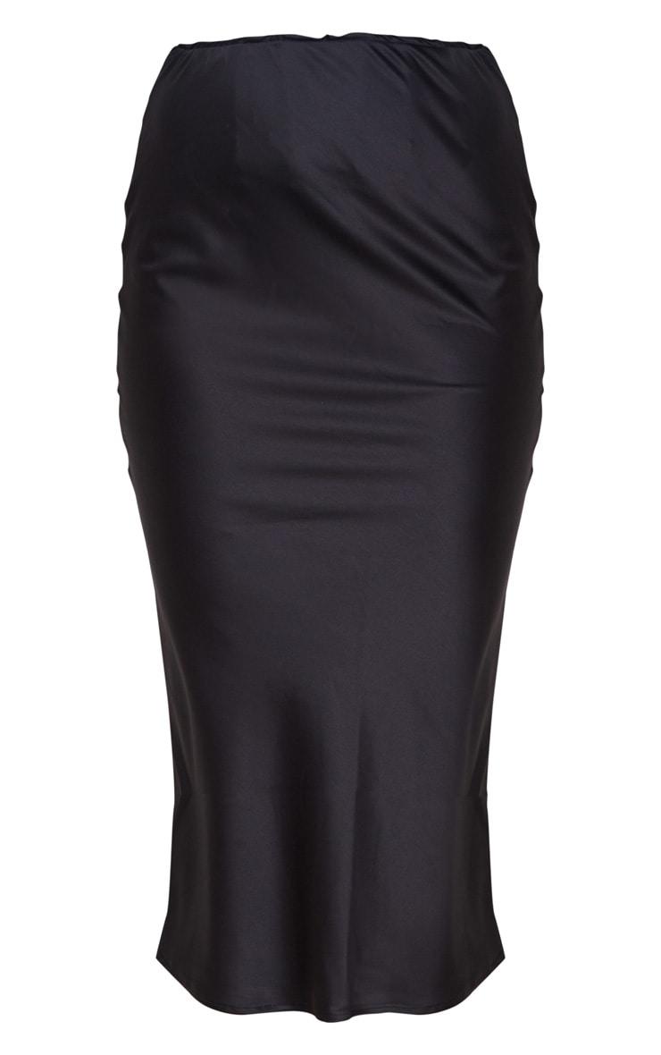 تنورة من الساتان متوسطة الطول باللون الأسود 5