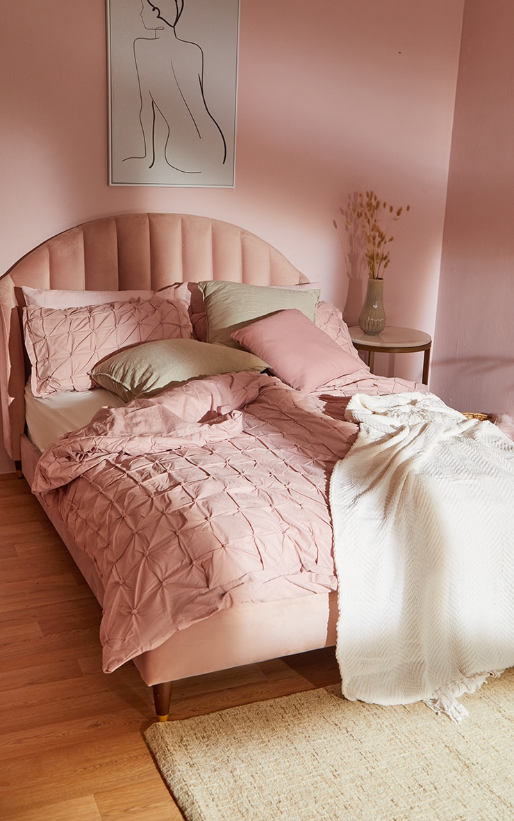 Dusty Pink Ruched Pin Tuck Super King Duvet Set 2