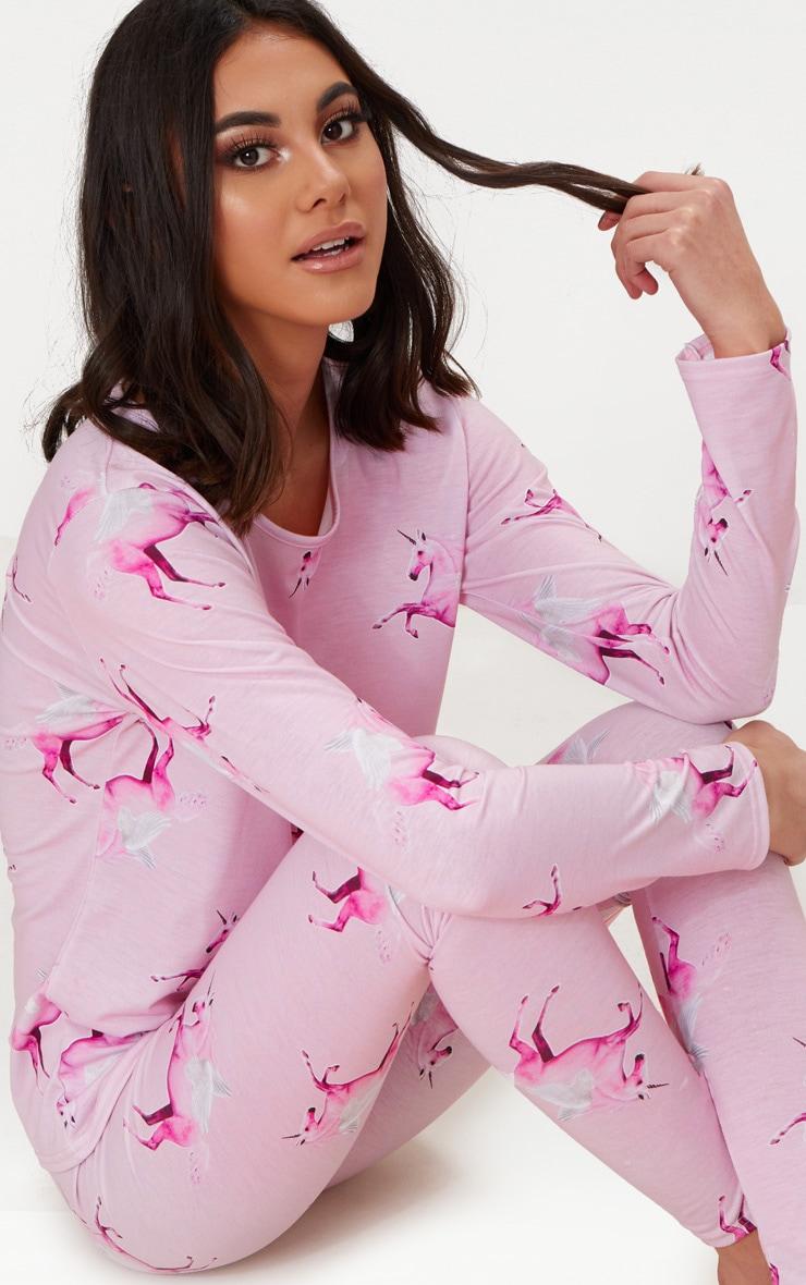 Ensemble de pyjama rose à motifs licornes et manches longues PRETTYLITTLETHING 1