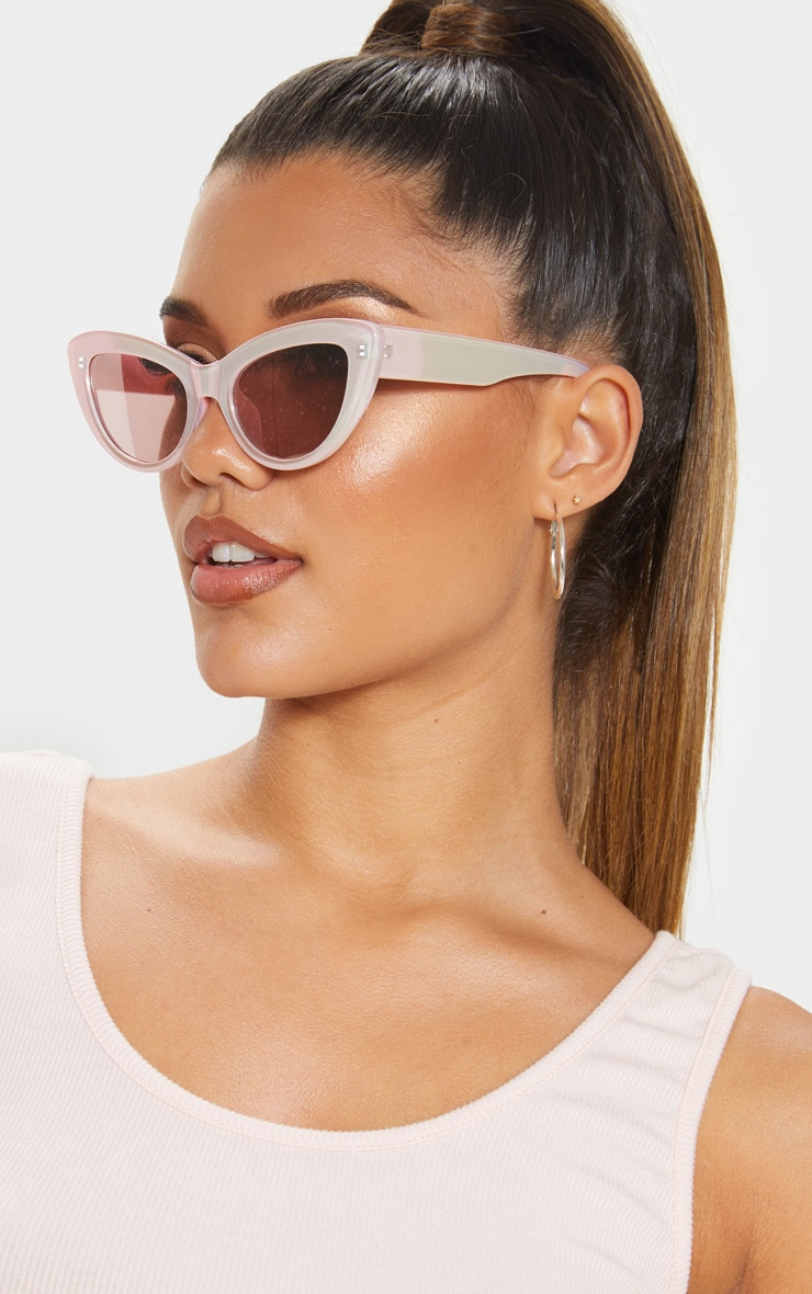 Pink Holographic Lens Cateye Sunglasses    1