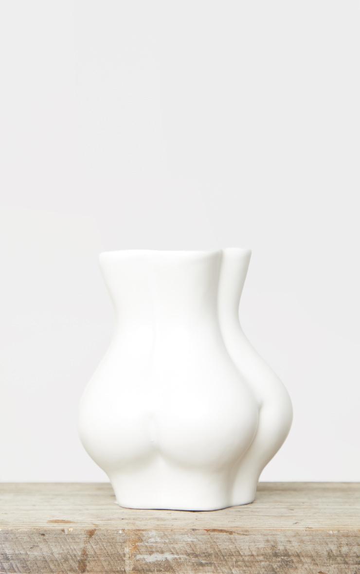 White Bum Vase 4