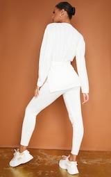 Ensemble lounge crème en maille avec legging + pull long ceinturé 2